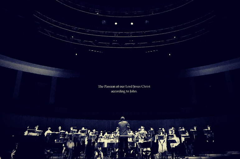 "SCS At Esplanade's ""a Tapestry of Sacred Music"" – Arvo Part Passio – St John Passion In The Dark"